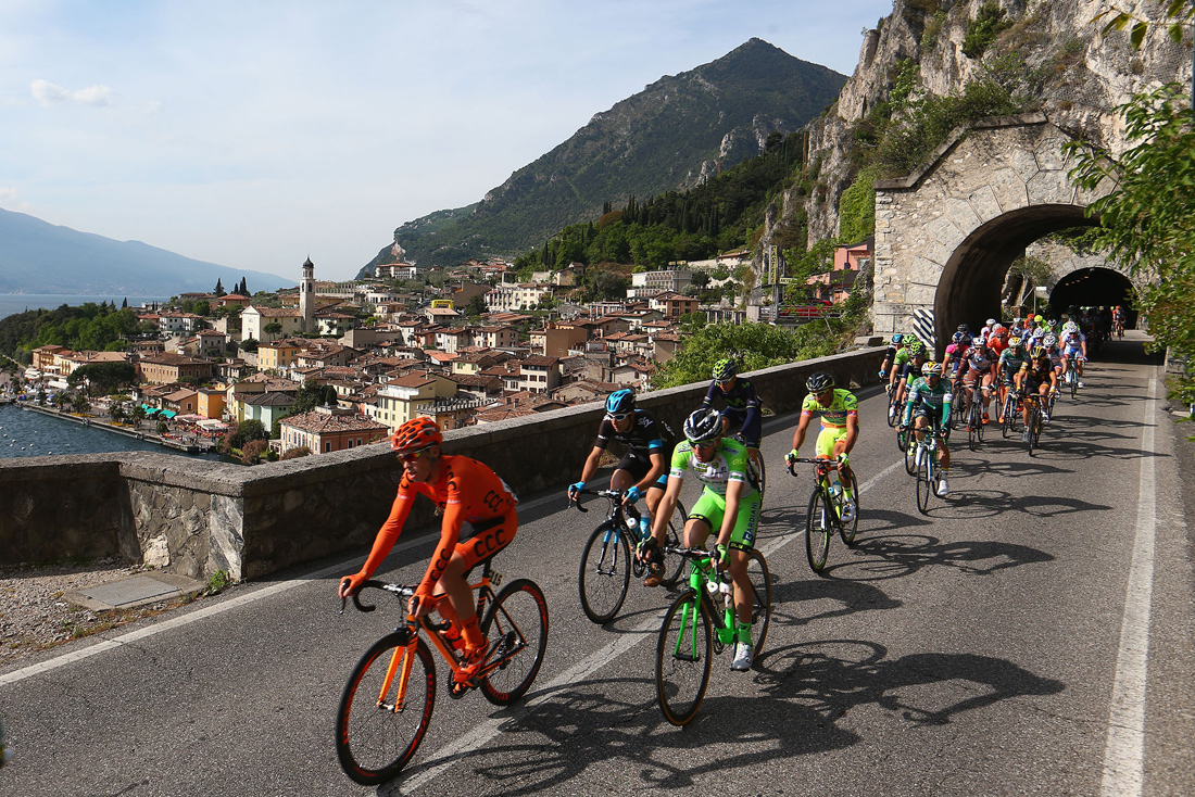 The peloton head out of Limone sul Garda on Stage 2, Giro del Trentino, Italy, April 2014
