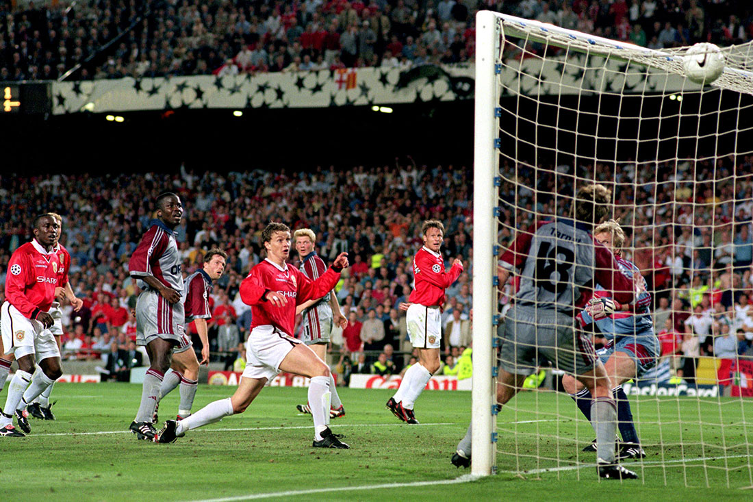 Ole Gunnar Solskjaer of Manchester United scores the winning goal against Bayern Munich, European Champions League Final, Camp Nou, Barcelona, May 1999
