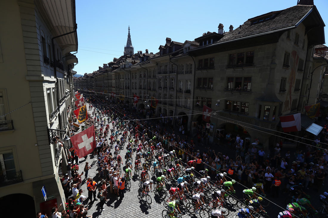 The peloton pass through Berne, stage 17 Le Tour de France, 20th July 2016