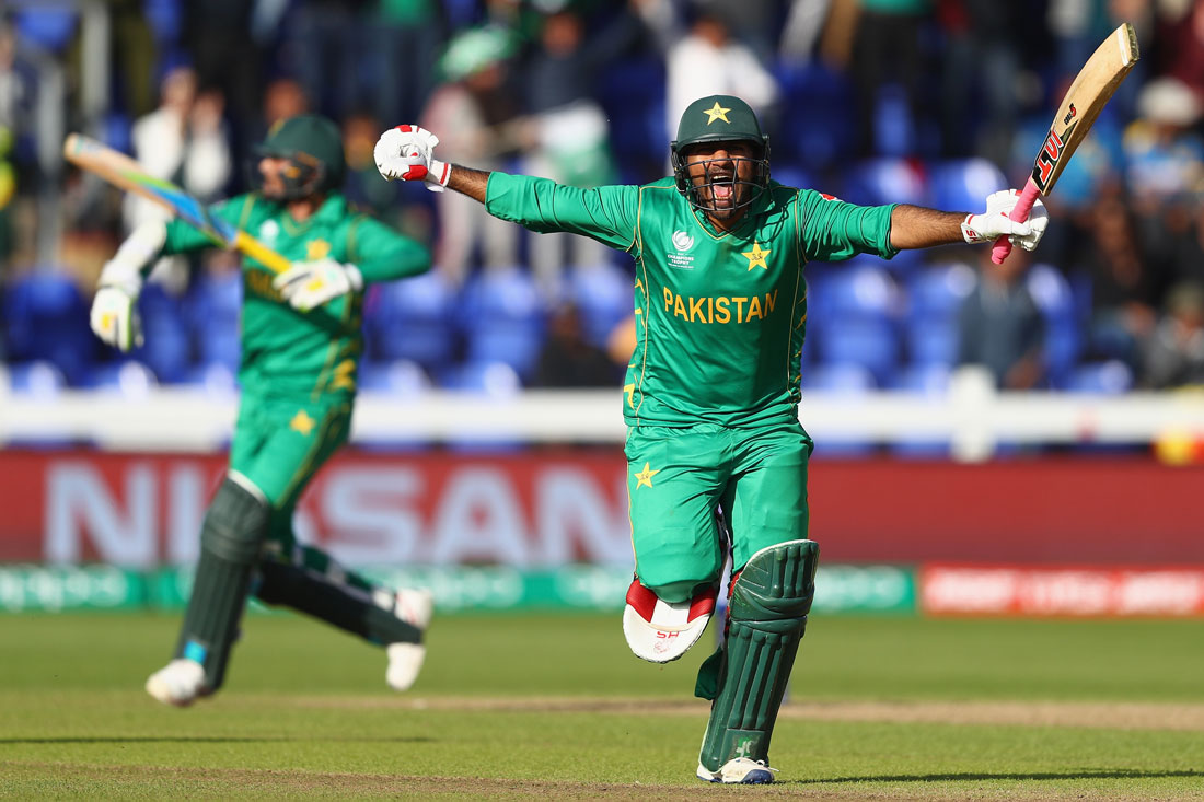 Sarfraz Ahmed of Pakistan celebrates the winning runs, Pakistan v Sri Lanka, ICC Champions Trophy, Cardiff, June 2017