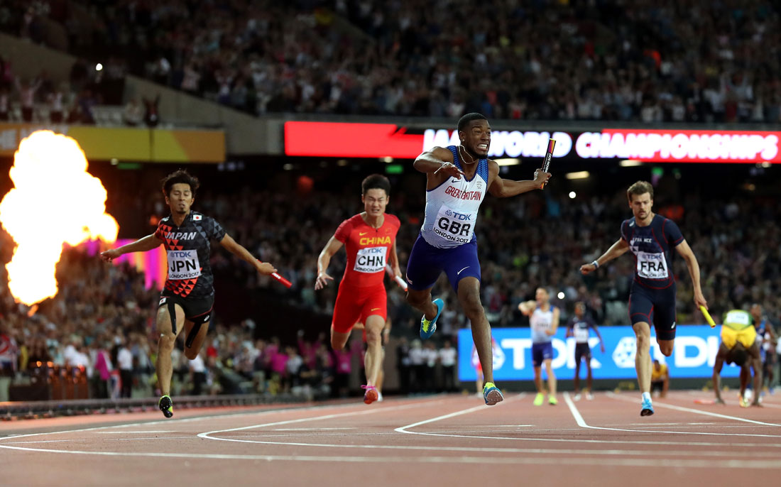 Nethaneel Mitchell-Blake of Great Britain dips to win 4x100m relay gold, Iaaf World Championships, London, August 12th 2017